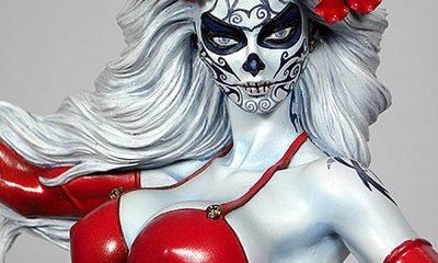 Ausschnitt: Sammlerfigur Lady Death La Muerta CS Moore Studio Ltd